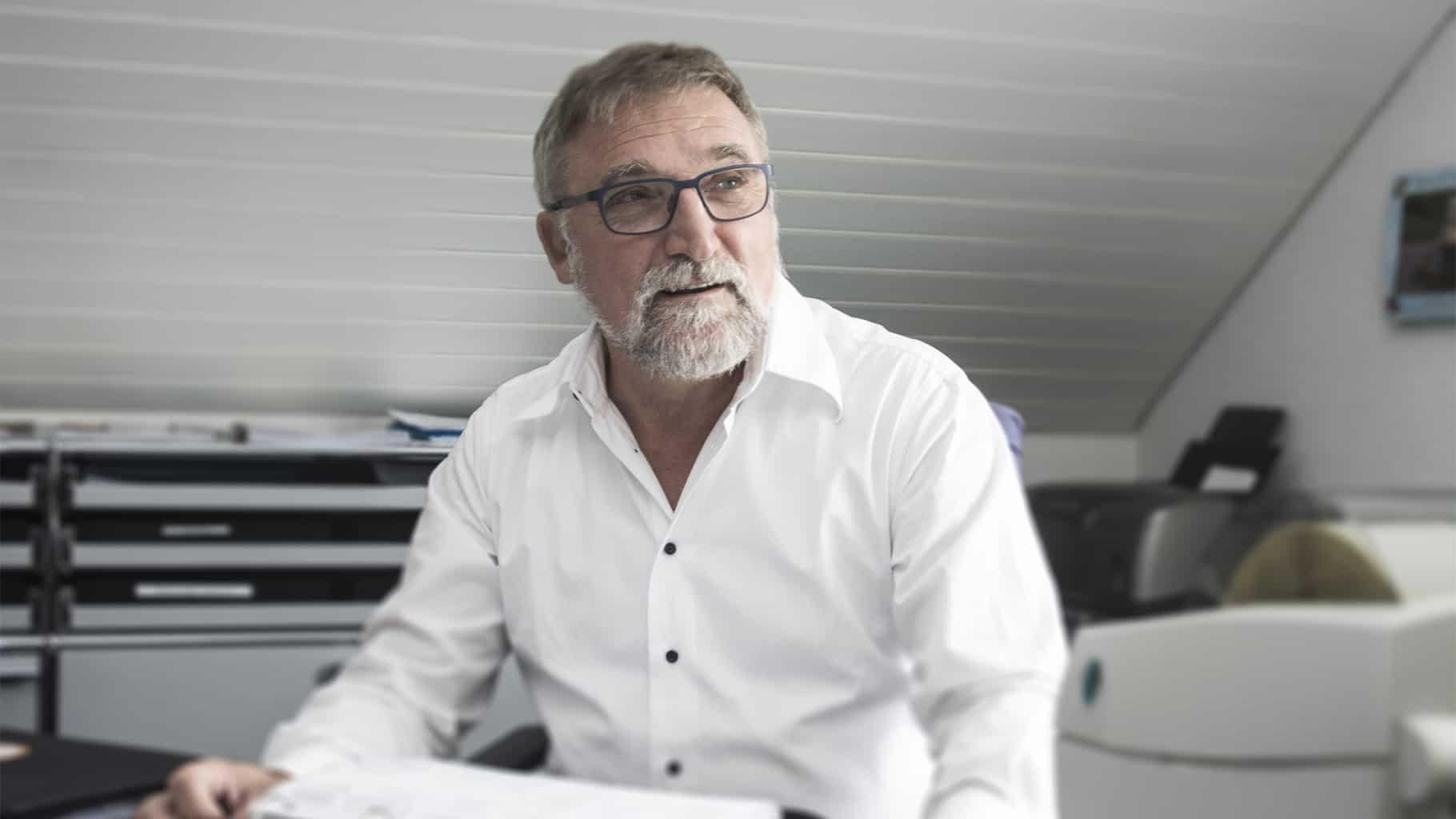 Joachim Buss in seinem Büro